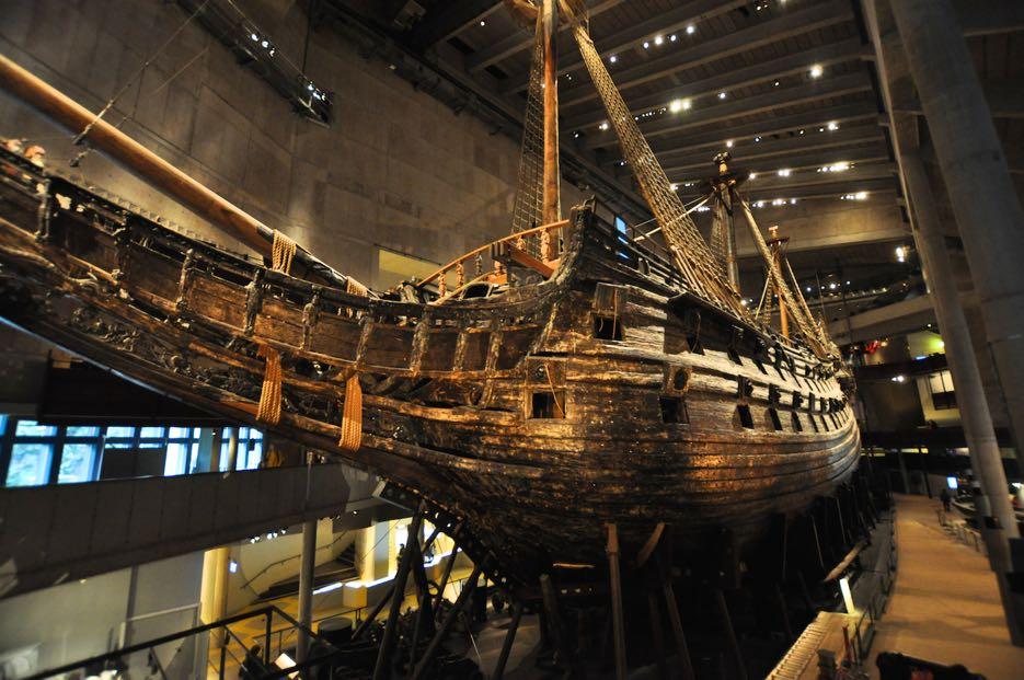 Das fast vollständig erhaltene, auf seiner Jungfernfahrt 1628 gesunkene Kriegsschiff Vasa