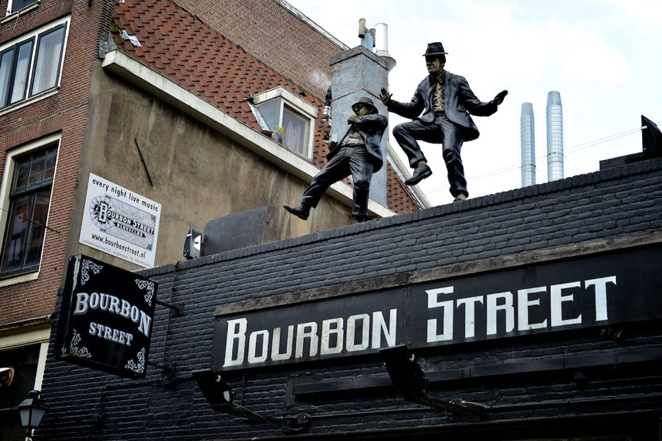 Super Club: Bourbon Street in Amsterdam. Mit den Blues Brothers auf dem Dach.