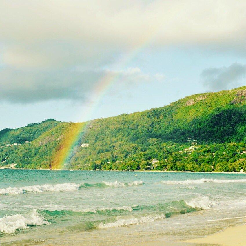 Schöner Nebeneffekt, wenn es doch mal kurz geregnet hat: ein Regenbogen.