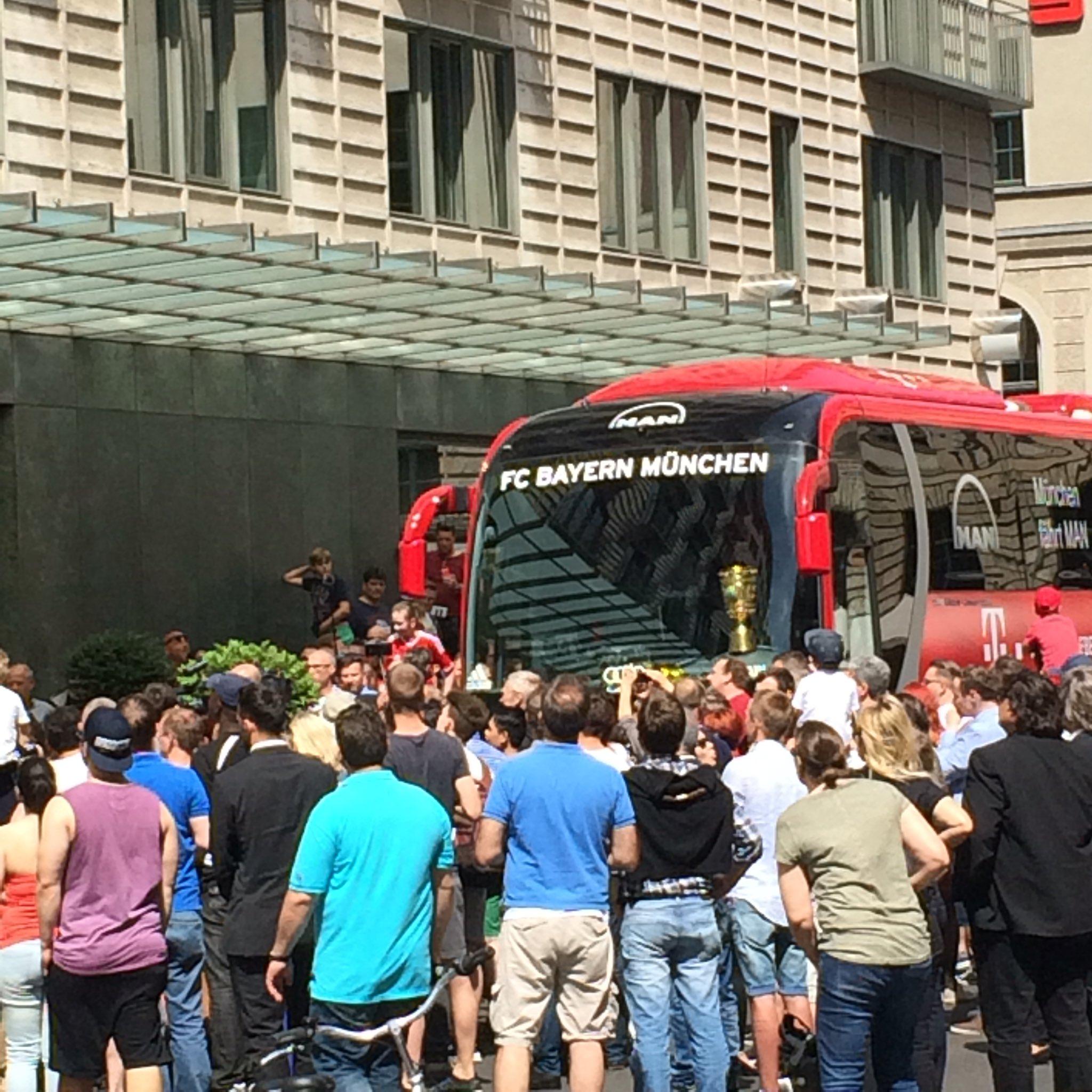 So feiern die Bayern: Double-Party in Berlin