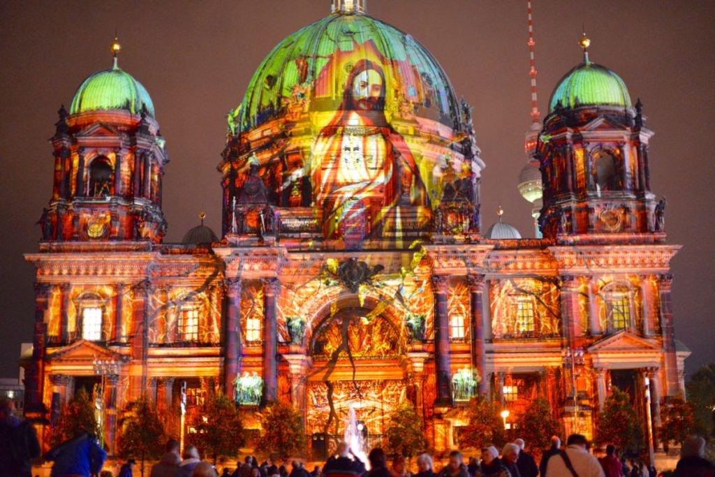 Farbzauber und Lichtkunst in Berlin