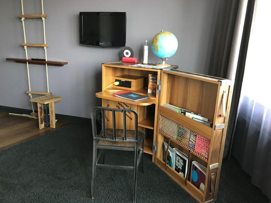 Maritim eingerichtet: die Zimmer im 25hours Hamburg
