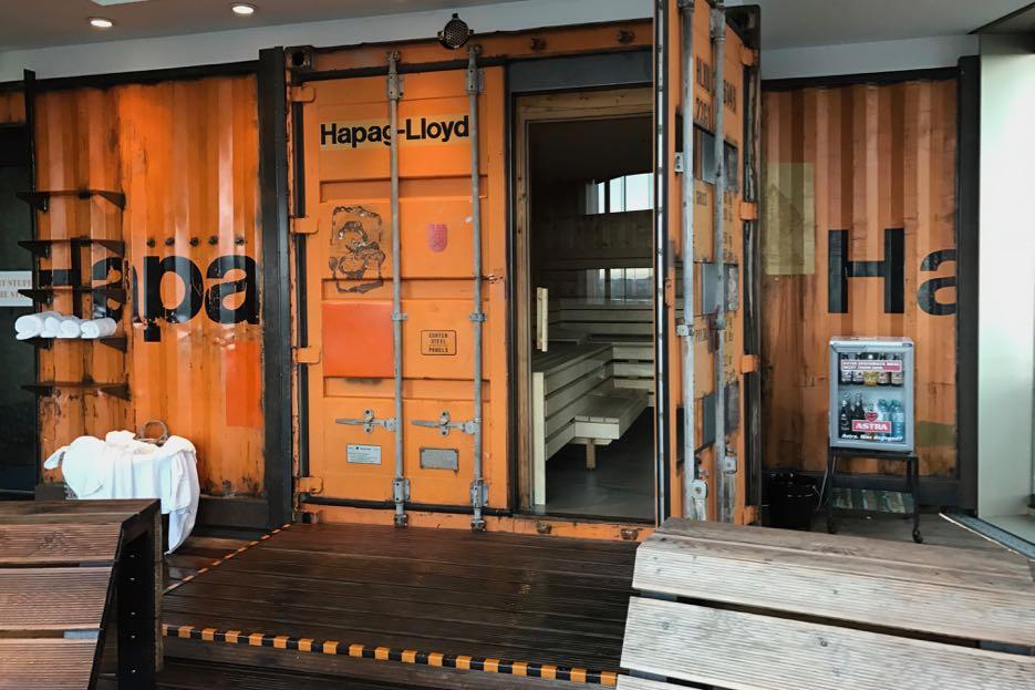 in der hafensauna hoch ber hamburg 25hours hotel hafencity. Black Bedroom Furniture Sets. Home Design Ideas