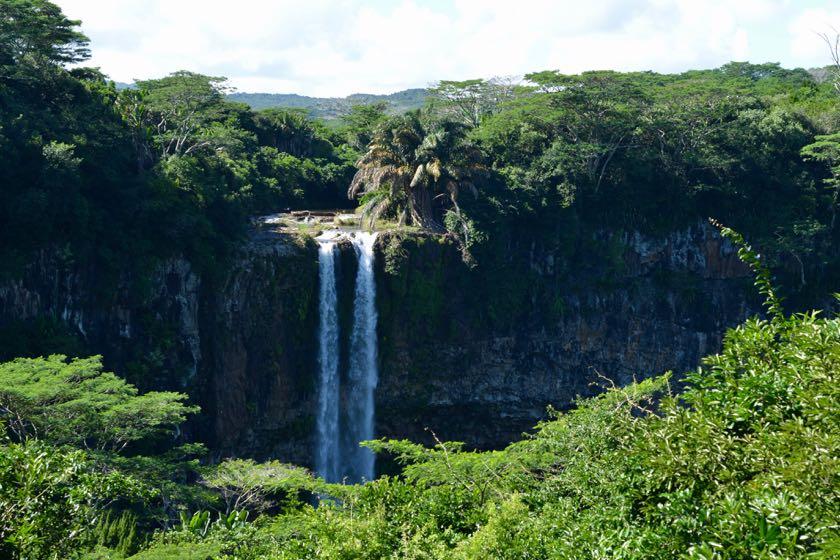 Der Chamarel Waterfall gehört zu den schönsten Naturschauspielen auf Mauritius.
