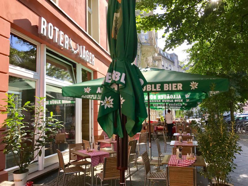Urig: das Restaurant Roter Jäger am Berliner Gendarmenmarkt