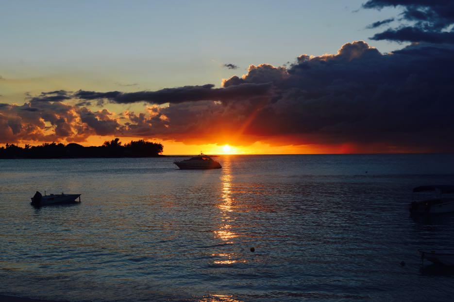 Eindrucksvolle Sonnenuntergänge inklusive.