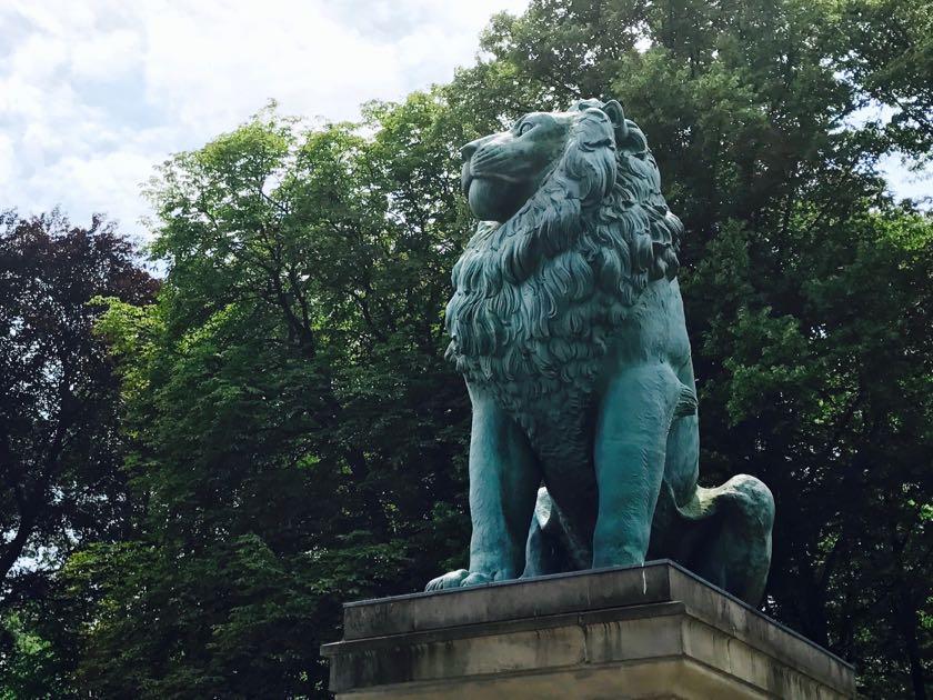 Beißt nicht: der Flensburger Löwe