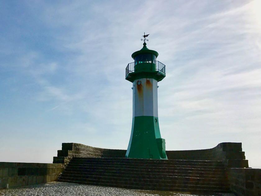 Sassnitz Hafen: Der Leuchtturm steht seit 1903.