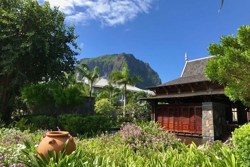 556 Meter schraubt sich der Le Morne Brabant in den blauen Himmel von Mauritius